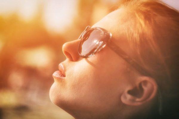 Cách kiểm tra kính chống tia UV